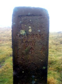 Oldham Way marker on Alderman Hill/Dick Hill