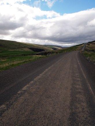 Climbing up the Blanda valley