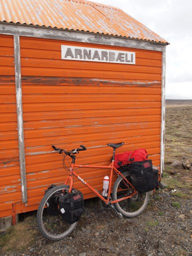 Arnarbaeli hut Surly Troll