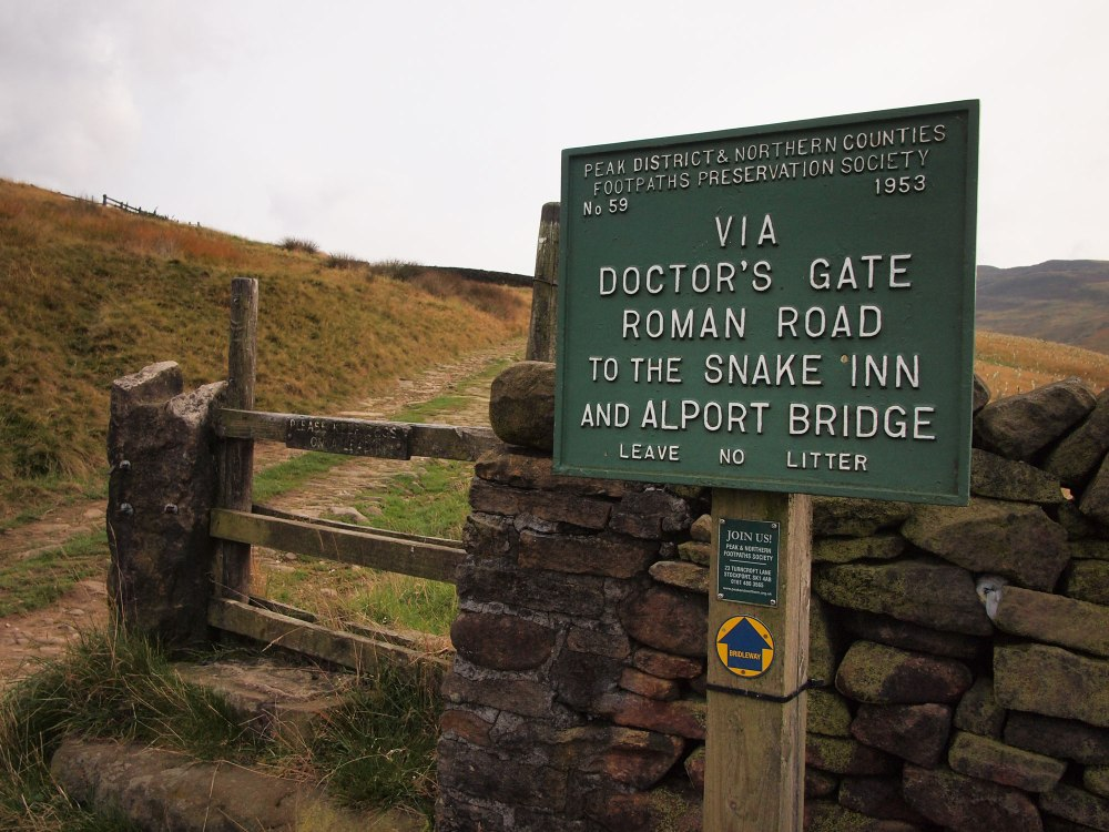 Joining the Doctor's Gate Path from Old Glossop