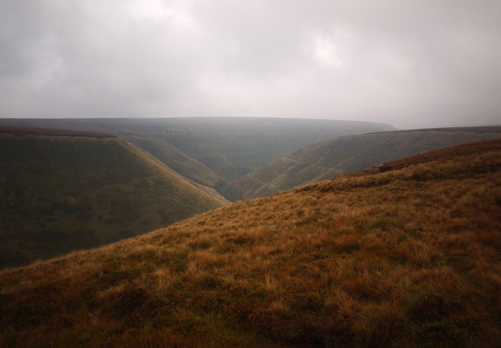 The skyline of Alport Dale heading to its upper reaches